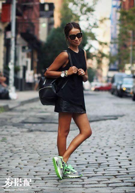 绿色鞋子+半身裙or连衣裙